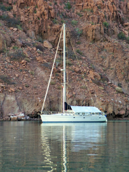 Seventh Heaven, at anchor in Mezteno Bay, Isla Espiritu Santo...