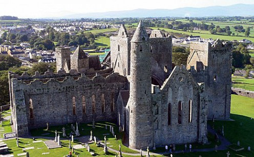Rock of Cashel Tour Is a Stunning Display of Ireland's Past