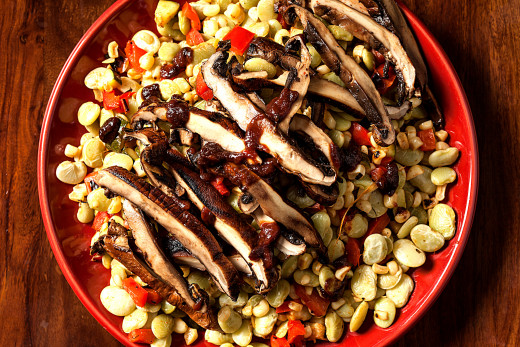 Succotash recipe with grilled fish fillet