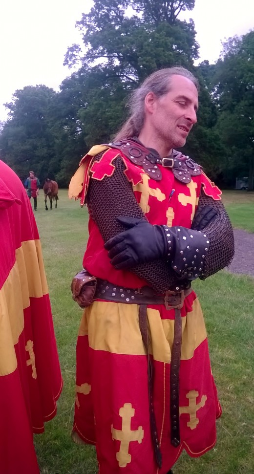 You can get to chat with the Knights before the Tournament! And see the horses too!