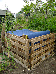 Very good compost bin, can be increased in height, good aeration, better decompostion