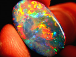 Opal: The Gemstone of Luxuries and Glamour