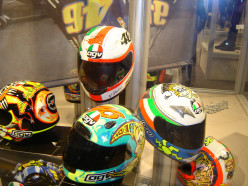 How to Choose the Safest and overall Best Motorcycle Helmet