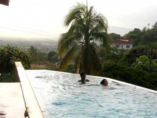 Infinity pool in Beverly Hills