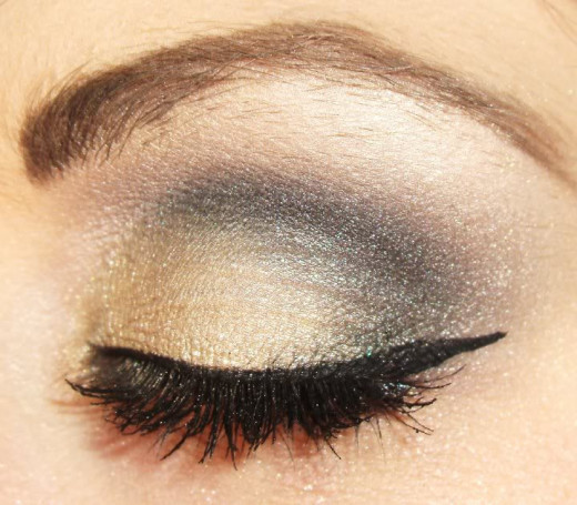 Very natural,using black eyeshadow,with winged eyeliner