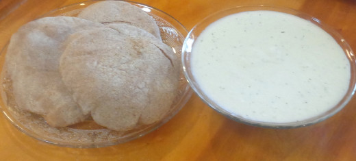 Tzaziki with pita bread