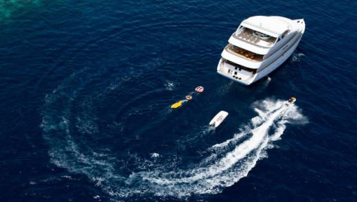 Cruise at the Maldives