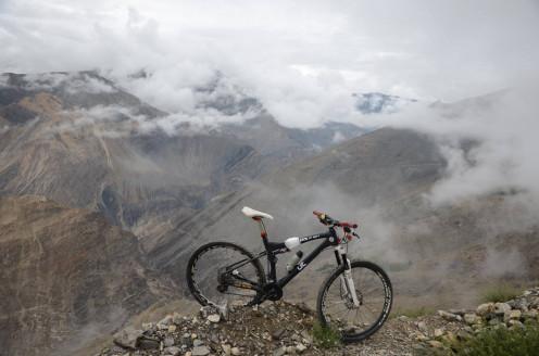 Mountain Biking at 4000 m above sea level. #Himalaya#Hastpa