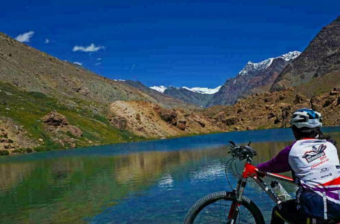 Explore beautiful locations with MTB Himalaya