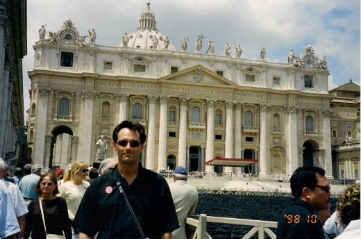 AN AMERICAN TOURIST IN ST. PETERS SQUARE