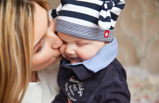 Baby eczema relief is just a few kisses away!