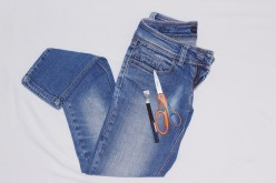 Make an Old Jeans into New Styles of Shorts