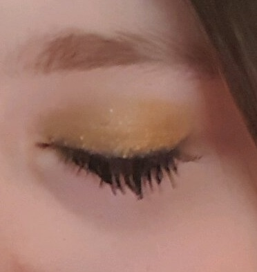 A close up of the finished look.