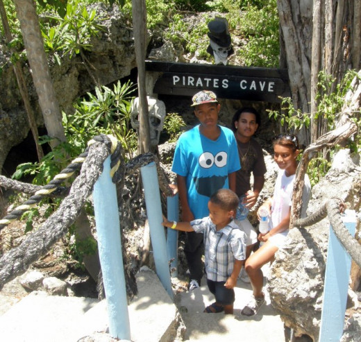 Exploring Pirates Caves in Grand Cayman