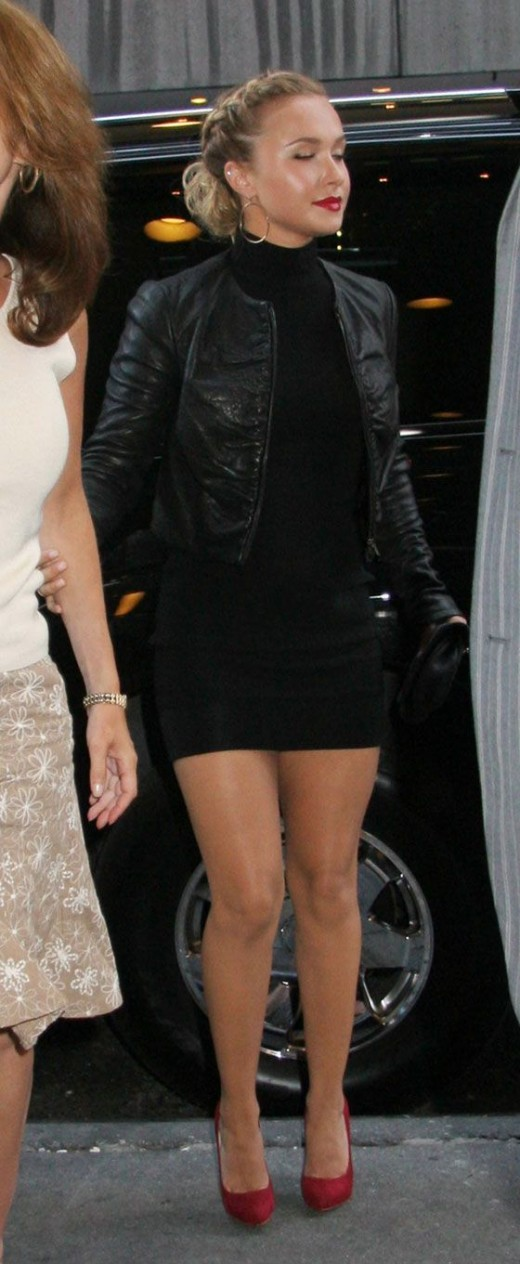 Hayden Panettiere in a tight black dress and high heels at Blackberry Bold launch party