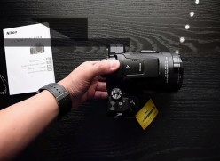 The Camera That Can Zoom Up To The Moon | Nikon P900