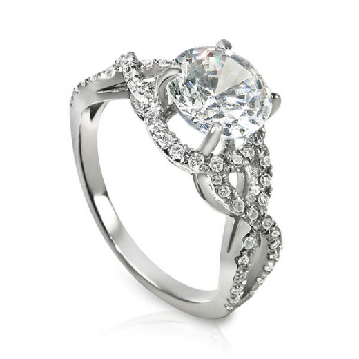 It took a lot of time to pick out this ring. It's not just any ring that can be in this hub.
