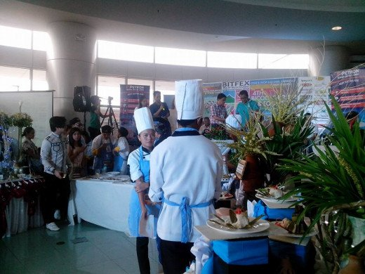 STUDENT-CHEFS DURING THE MORNING FOOD EXHIBITION Photo Source: Ireno Alcala