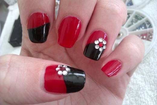 Everything about nail polish and easy nail art designs six fantastic nail polish designs source flickr licence attribution httpscreativecommons prinsesfo Choice Image