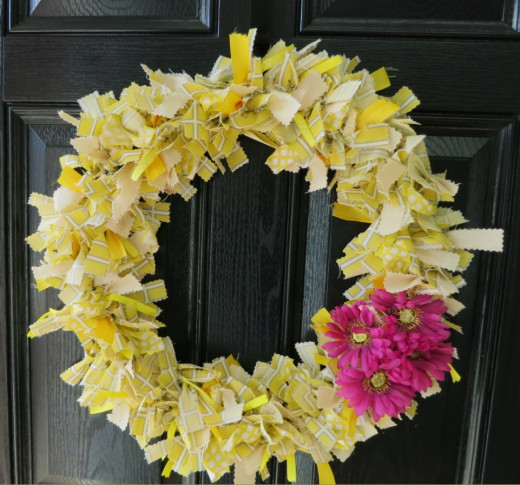No-Sew Scrap Fabric Welcome Wreath