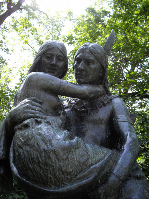 Minnehaha and Hiawatha statue in Minnehaha Park, Minneapolis