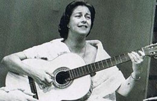 Chabuca Granda playing guitar