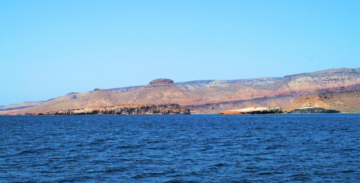 Isla Espiritu Santo and El Ballena Rock