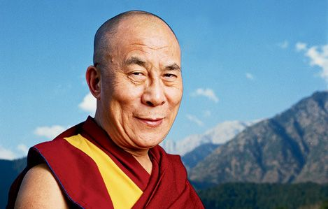 The Dalai Lama, or how to condition the Western psyche to ignorance. The arrogance and contempt pours from his face.