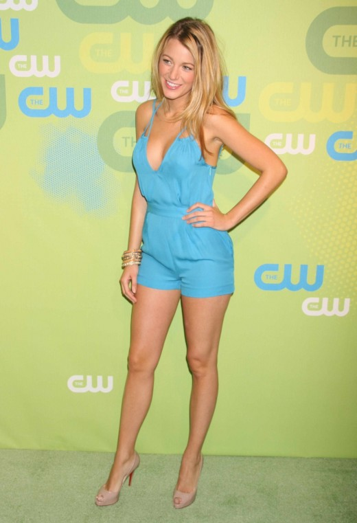 Blake Lively in a short jumper and high heels at a Gossip Girl/CW event