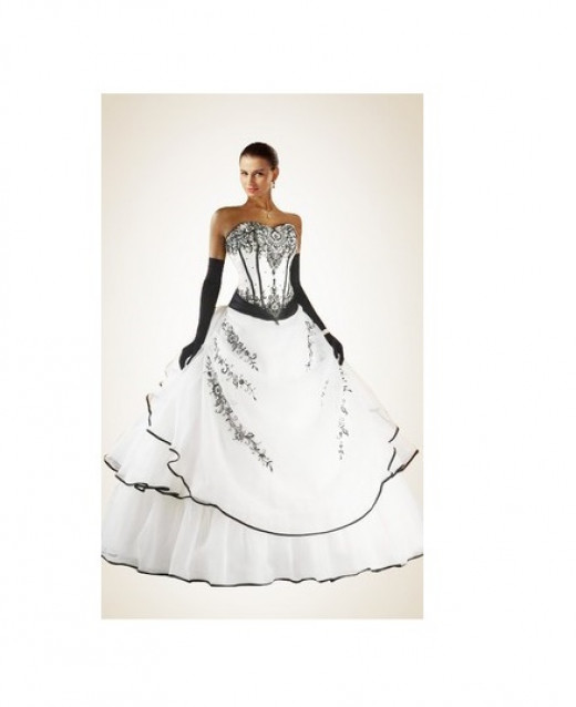 Beading Embroidery Black and White Wedding Dress