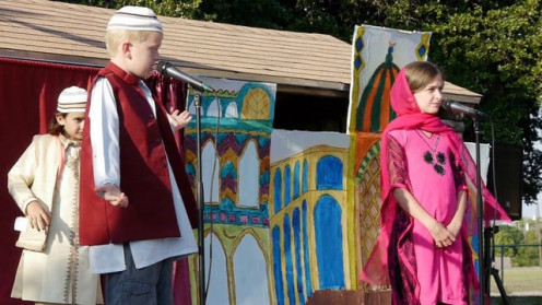 Childrens in mulla-nasruddin play