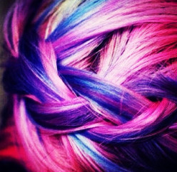 How To Highlight Your Hair Using Hair Chalk