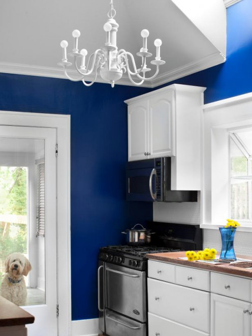Spray Paint Chandelier Makeover