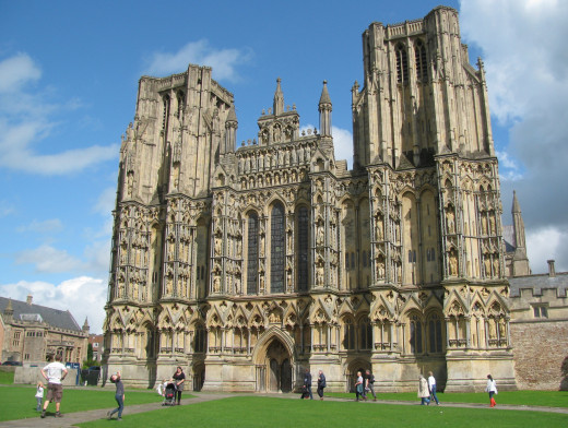 Majestic Wells Cathedral in the middle of Town