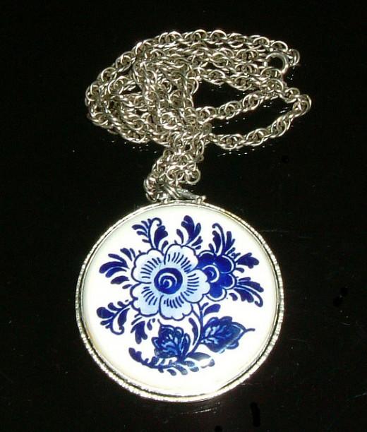 Delft Blue pendant