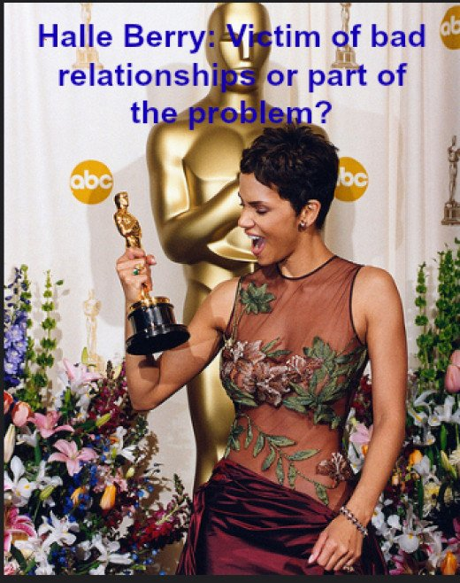 """Halle Berry admires her Oscar for Best Actress in """"Monster's Ball."""""""