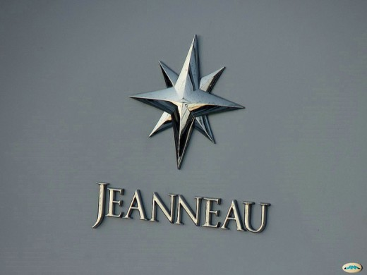 The Jeanneau crest emblazened on a hull
