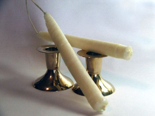 Dipped candles using dual tapers method.