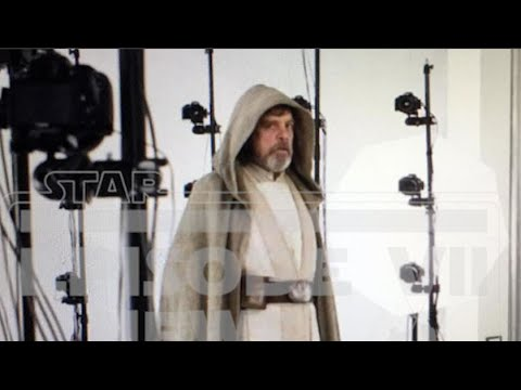 Luke Skywalker in Jedi robes from Force Awakens leaked picture
