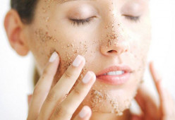 3 Types Of People Who Should Be Careful With Exfoliation