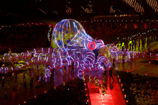 Fatboy Slim in giant Octopus, Olympics closing ceremony 2012 - playing his song the Rockafella Skank
