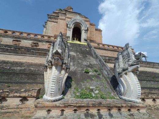 The historic Wat Chedi Luang - a stunning temple in Chiang Mai