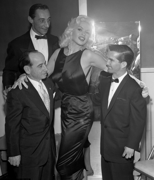 Jayne Mansfield with jockeys 1957
