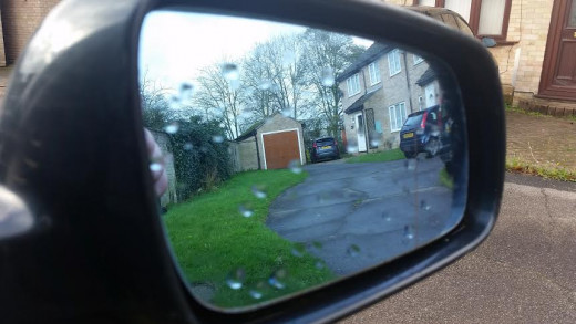 Covering a wing mirror with a bag can stop them from freezing