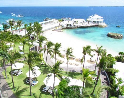 Movenpickhotel mactan island cebu...one of the numerous hotels in Mactan Island...
