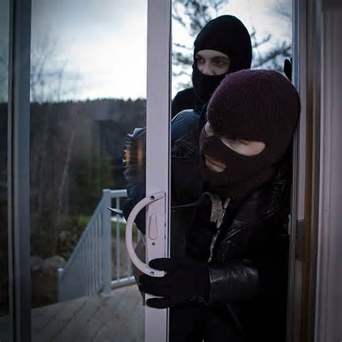 Burglars who instantly want to straighten out their lives.