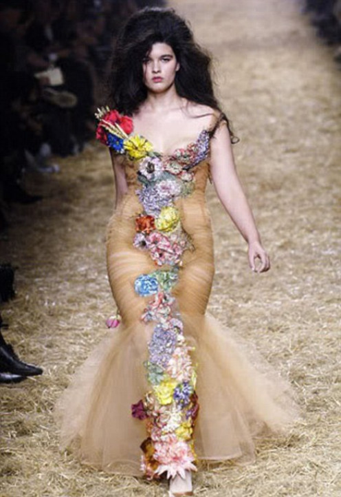 Big Beautiful model, Crystal Renn. As you can see, she knows how to use her Rubenesque figure for all its worth!