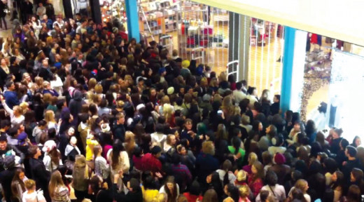 "Soulless Walking Dead Black Friday ""walker"" shoppers beat down the gates of Alexandria."