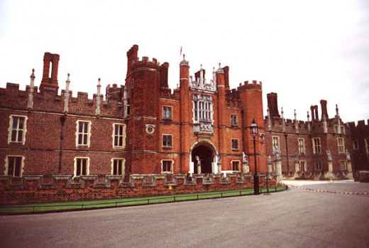 Hampton Court Palace, where Lady Catherine Howard had been as lady-in-waiting.