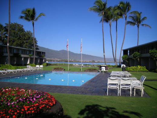 Maui Seaside Hotel pool